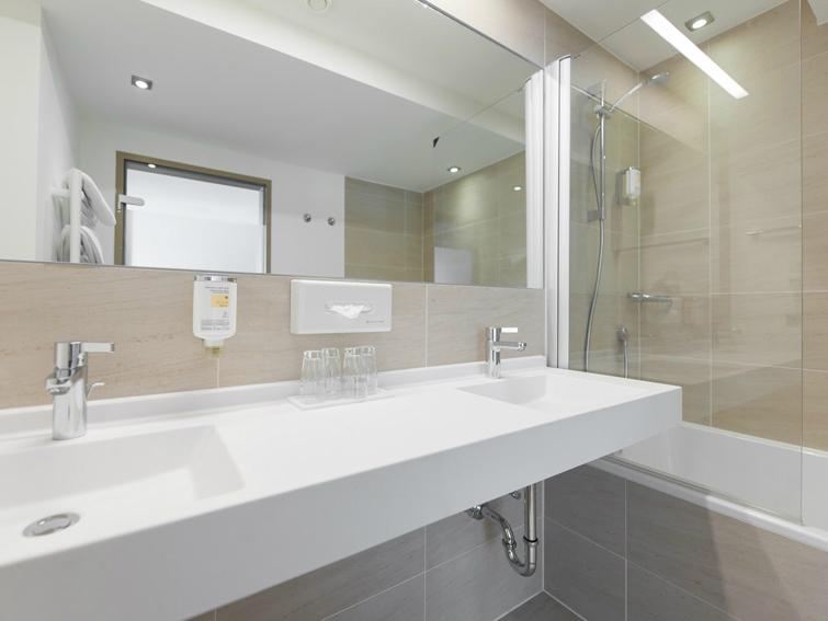 Wastafel Op Maat : Luxe wastafel op maat gemaakt helopal designed sanitair
